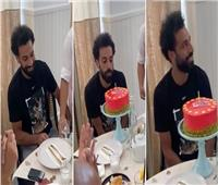 محمد صلاح ينشر صورة من احتفال عيد ميلاده ويوجه رسالة | فيديو