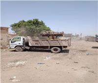 رفع ١٠٠طن من المخلفات والقمامة والأتربة من نقاط التجمع بقرى المنيا