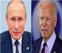 فوكس نيوز: كيف تراجع «بايدن» عن نهج «ترامب» المتشدد في التعامل مع روسيا؟