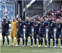 كيف دعم منتخب فنلندا كريستيان إريكسن خلال مباراة روسيا ؟ .. صور