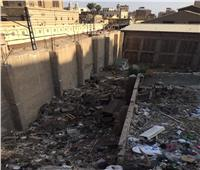 انتشار «القمامة» أمام كنيسة ماري جرجس الأثرية بمصر القديمة  صور