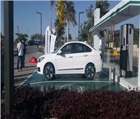 وزير قطاع الاعمال يكشف عن أسعار السيارات الكهربائية محلية الصنع | فيديو