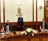 رئيس الوزراء يلتقي وزير الاتصالات العراقي.. ويشهد توقيع مذكرة تفاهم في مجال الاتصالات