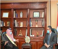«العناني» يلتقي وزير التجارة والاستثمار بالمملكة العربية السعودية