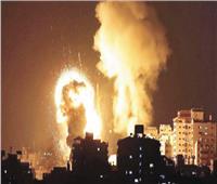 إسرائيل تشن غارات جوية على غزة رداً على إطلاق بالونات حارقة