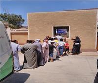 ضمن مبادرة «حياة كريمة»..فحص 730 مواطنًا فى قافلة طبية بالغربية