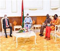 السفير المصري في واجادوجو يلتقي رئيس الوزراء البوركيني