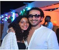 وصلة رقص لـ أحمد حلمي وابنته.. فيديو