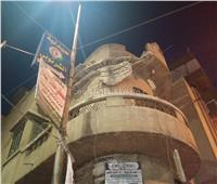 صور سقوط جزء من شرفة عقار بمدينة دمنهور دون حدوث إصابات