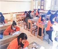 اليوم.. 2418 طالب وطالبة يؤدون امتحانات الدبلومات الفنية بالوادي الجديد