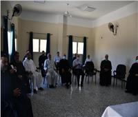 الأنبا باخوم يلتقي بمجمع كهنة الإسكندرية