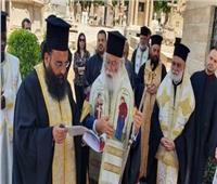 البابا ثيودروس يُصلي للراقدين من بطاركة الكنيسة