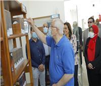 المستشار عدلي منصور يتفقد مكتبة مصر العامة بمدينة عزبة البرج في دمياط