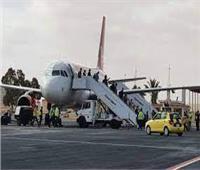 مطار مرسى مطروح يستقبل طائرة تقل 188 سائحًا كازاخستانيًا