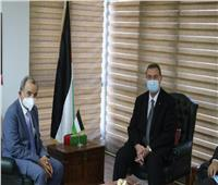 سفير فلسطين بالقاهرة يستقبل وفدًا حقوقيًا برئاسة اتحاد المحامين العرب