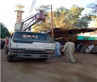إصلاح وصيانة 40 عامود إنارة في طوخ الخليل بالمنيا