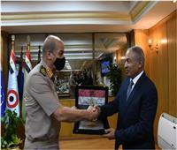 الفريق أول محمد زكي يلتقي وفد لجنة الدفاع والأمن القومي بمجلس النواب