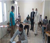 نائب رئيس الجامعةلشئون التعليم والطلاب يتفقد لجان امتحانات كلية التربية الرياضية