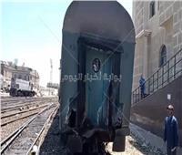 فصل العربة واستمرار الرحلة.. مصدر يكشف تفاصيل اصطدام قطار الإسكندرية| صور