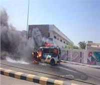 تفحم سيارة ميكروباص بسبب عطل على الطريق الدولي بالإسكندرية 
