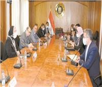 وزيرا التجارة والسياحة يبحثان استعدادات المشاركة في «إكسبو دبي»