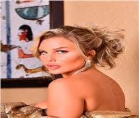 نيكول سابا تخطف الأنظار باطلالة «ذهبية» ولقاء ساخر مع «أبلة فاهيتا»   صور