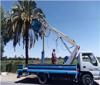 استئناف أعمال إصلاح وتركيب كشافات الإنارة في قنا