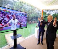 رئيس وزراء بريطانيا يحتفل بتأهل إنجلترا لربع نهائي اليورو: «أعيدوه للمنزل»