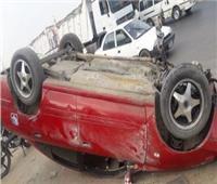إصابة شخصين في انقلاب سيارة بطريق الواحات