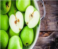 للسيدات| فوائد بذور التفاح.. تحافظ على البشرة من الجفاف وتقوي المناعة
