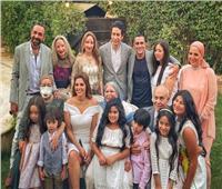 عمرو سلامة ينشر أول صورة عائلية من عقد قرانه