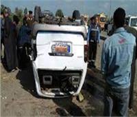 إصابة 3 بينهم سيدة في حادث انقلاب سيارة بالوادي الجديد