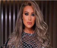 مايا دياب تتعرض لسقوط مؤلم في كواليس حفل غنائي لها.. فيديو