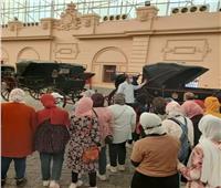 متحف المركبات الملكية يستقبل عددًا من طلاب محافظة الغربية