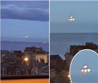 يطير في السماء.. جسم غريب يثير الرعب في بريطانيا| صور