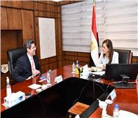 هالة السعيد: نستهدف زيادة الاستثمارات العامة لجذب الأجانب لمصر