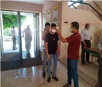 توافد طلاب الشعبة الأدبية بالبحيرة على لجان امتحان اللغة العربية   صوروفيديو