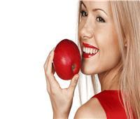 واقي للشمس ومرطب للبشرة.. فوائد قشر التفاح للوجه