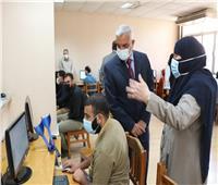 رئيس جامعة المنوفية يتفقد سير العمل بمركز المعلومات ومعمل الحاسب الجديد