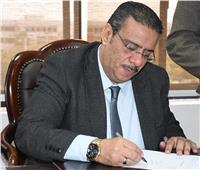 رئيس جامعة قناة السويس يعلن أسماء العشر الأوائل ببكالوريوس التجارة