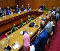 وزير قطاع الأعمال: اهتمام كبير من القيادة السياسية بتطوير قطاع الغزل والنسيج