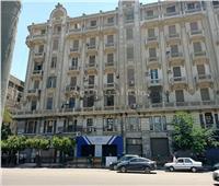 نيابة وسط القاهرة تنتقل لموقع سقوط شخص بشارع رمسيس