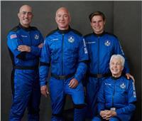 الملياردير جيف بيزوس ينطلق إلى الفضاء على متن مركبة «نيو شيبرد»