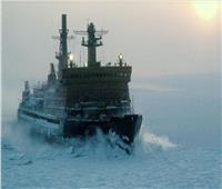 سلاح البحرية في الجيش الكندي يتسلم سفينة كاسحة للجليد