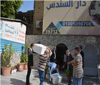 محافظ القاهرة يوزع الهدايا على دور الأيتام احتفالا بالعيد