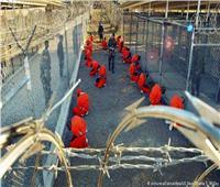إغلاق جوانتانامو| إدارة بايدن ترحل مغربيًا وتدرس إنهاء تواجد آخر 39 معتقلاً فيه