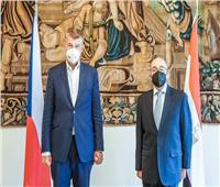 السفير المصري في براج يلتقي رئيس الوزراء التشيكي
