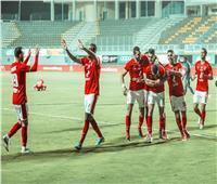 الدوري المصري   الأهلي يسجل الهدف الأول في شباك البنك