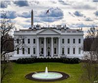 وسط ارتفاع للإصابات  البيت الأبيض يتحدث عن عودة إرتداء الكمامات في البلاد