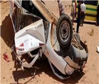 مصرع وإصابة ثلاثة أشخاص إثر انقلاب سيارة بالطريق الصحراوي بأسوان